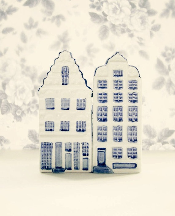 Delft (collector houses given out by KLM for first class).  ....have several.