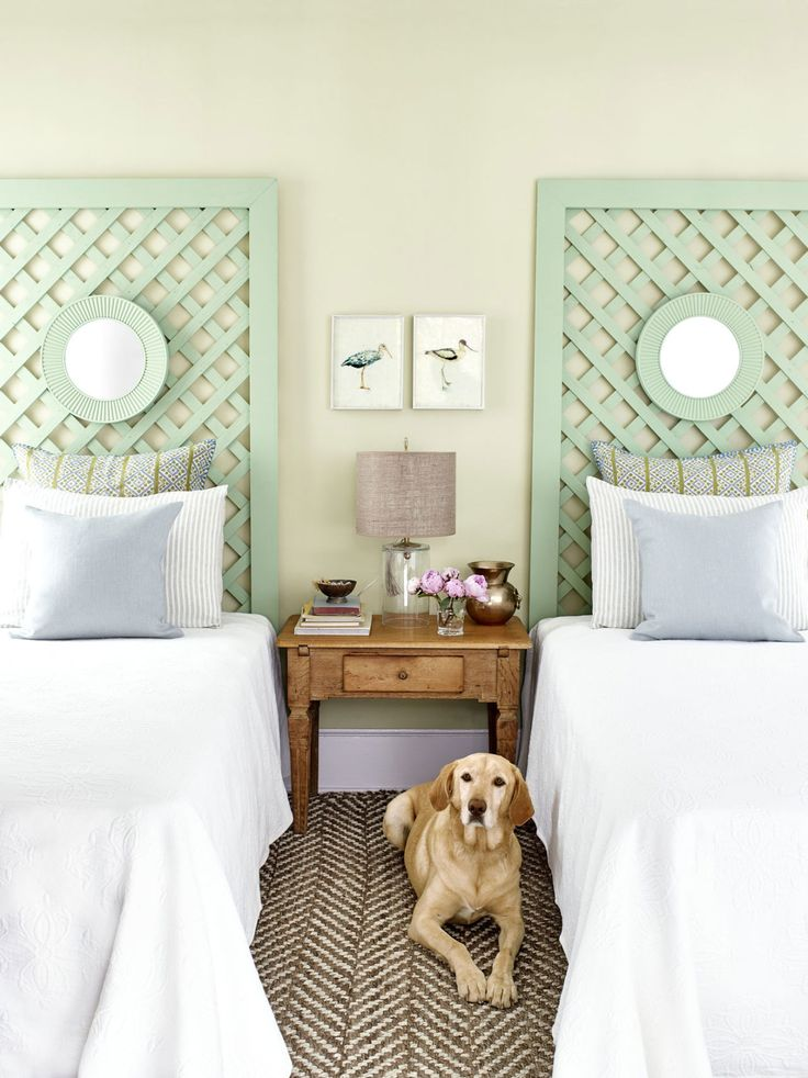 How to build a cute trellis headboard