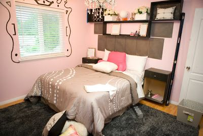bedroom with pink  wall paint
