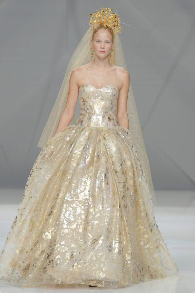 Vestidos de novia de color 2017: 27 diseños para ser diferente al resto Image: 19