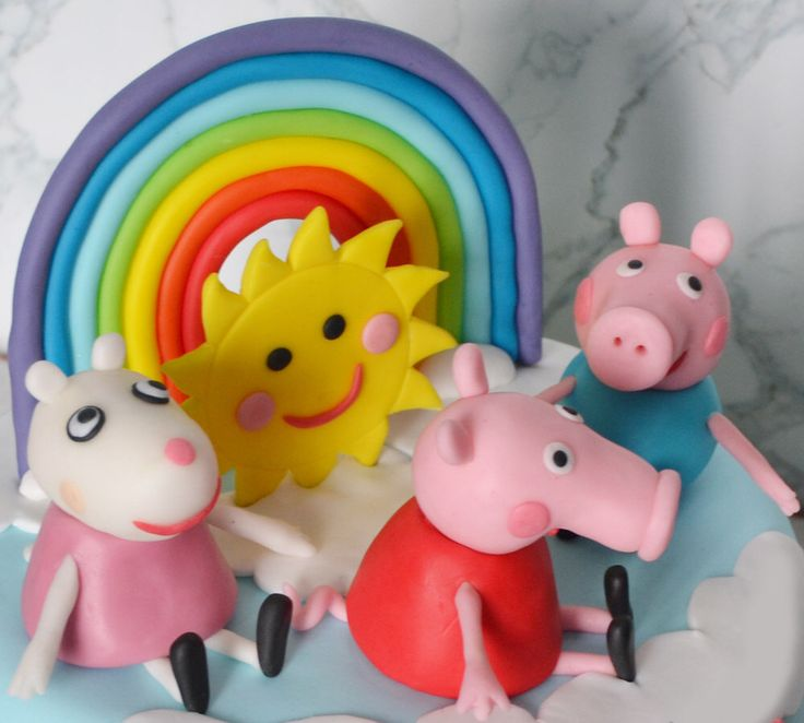 Peppa Pig set cake topper. A set of fondant figurines from Peppa Pig cartoon. by 101cakes on Etsy https://www.etsy.com/listing/291236121/peppa-pig-set-cake-topper-a-set-of