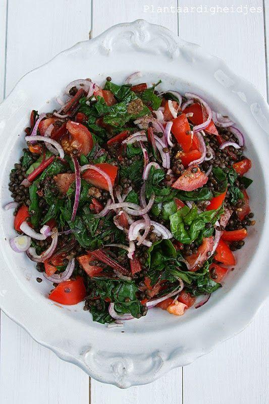 Plantaardigheidjes: Snijbiet salade met belugalinzen en mosterd-balsamicodressing
