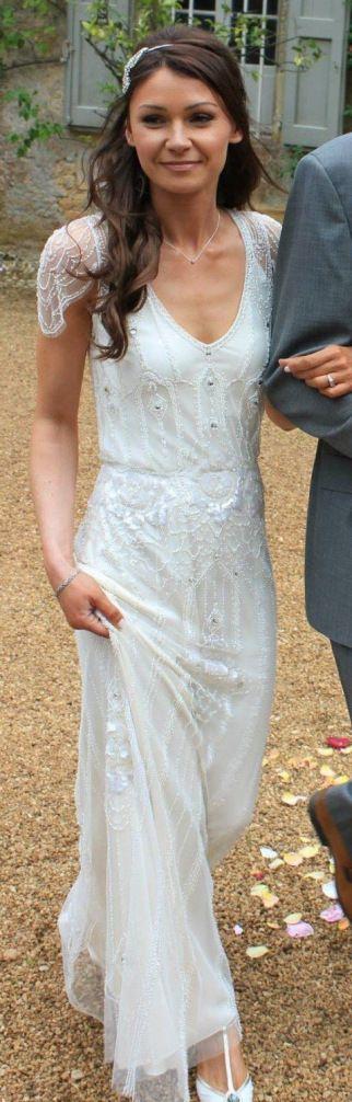 Ultra feminin Jenny Packham brudekjole med lille ærme