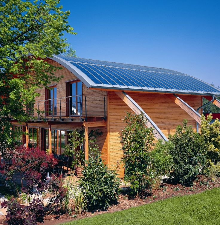 http://www.cheap-solar-panels.net/rooftop-solar.html Roof top solar powered energy. amazing flexible solar panels for a curved roof