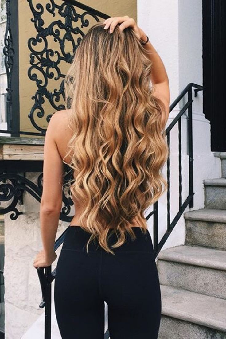 Long hairs always wait for when its owner creates a wavy hairstyle on me and wavy hairstyle forever wait for when I will be applied at any long hair. Well, click here and get some latest Wavy Long Hairstyles, which are highly attractive. #wavyhairstyles #WavyLongHairstyles