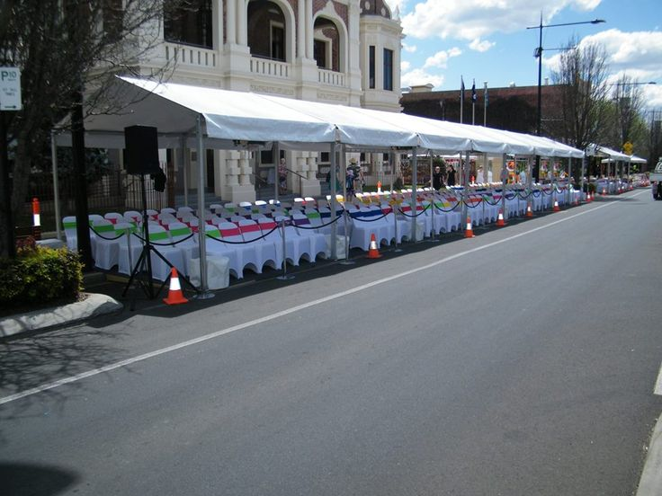 Toowoomba Carnival of Flowers Floral Parade - by Toowoomba White Wedding and Event Hire - Weddings, Corporate Functions, Parties, Gala Events {Toowoomba & Surrounding Areas}