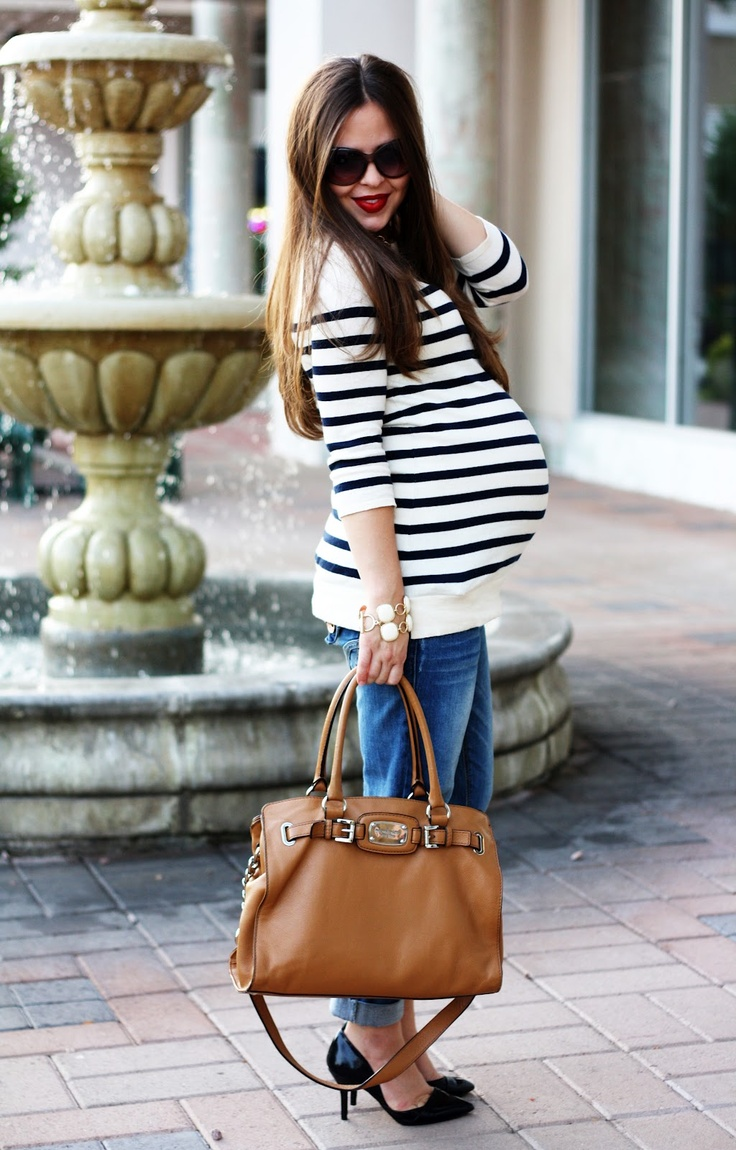 maternity street style! This is the look I would rock if I was prego minus the heels lol.