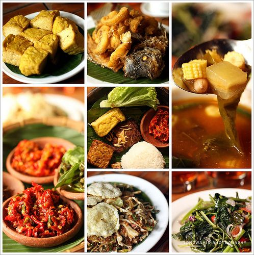 Sundanese food: Tahu goreng, gurame goreng, sayur asem, sambal dadak, nasi timbel, karedok leunca, tumis kangkung.  Sundaneese Foods (by toni wahid)