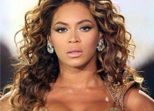 Beyoncé é eleita a mulher mais bonita do milênio