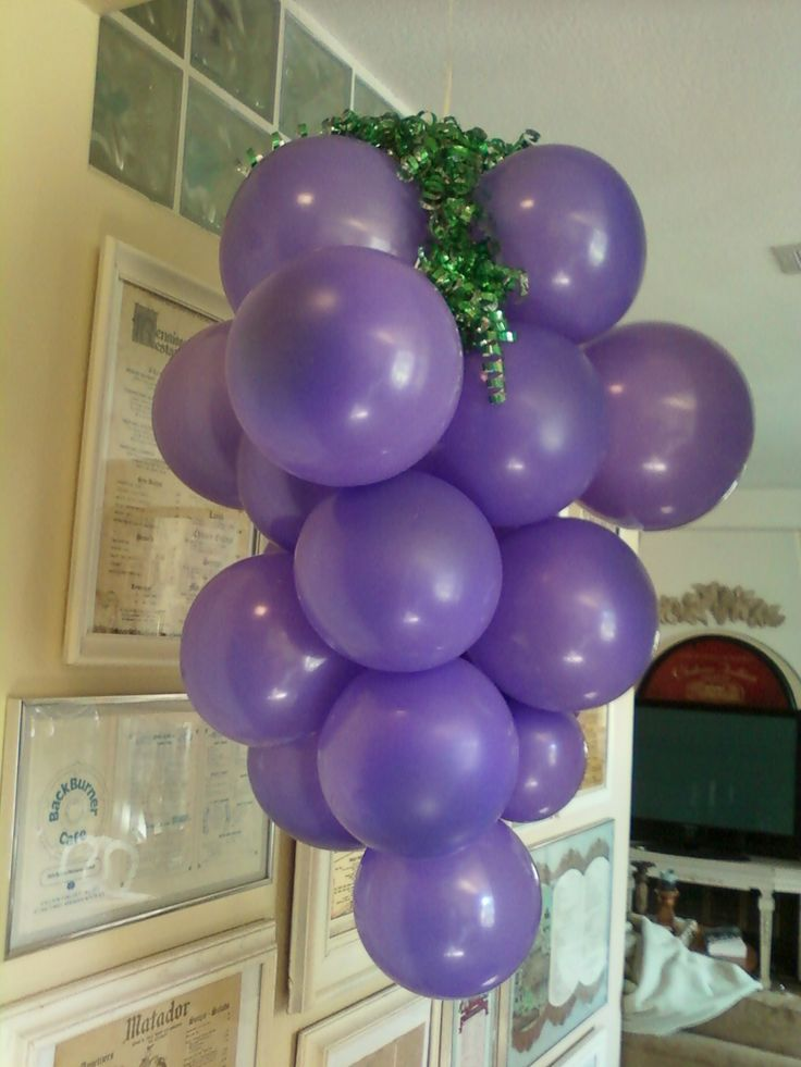 grape balloons i made for wine theme b'day party.