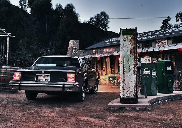 Was jy al by Diesel and Crème in Barrydale? Dit is reg langsaan The Karoo Moon Motel geleë.