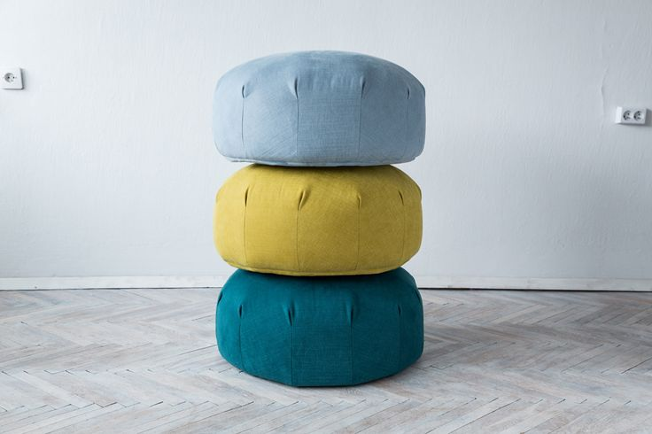 A pouf which invites you to sit and relax. Inspired by organic structures and underwater colours by Grynasz Studio.