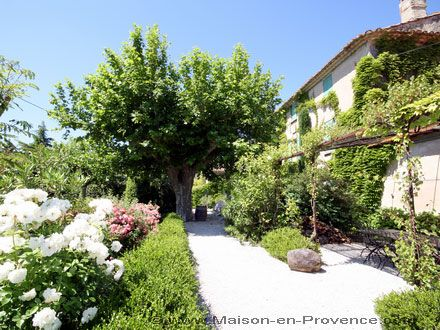 Le mas of the holiday rental Mas at L'Isle-sur-la-Sorgue ,Vaucluse - photo 10757 Credits Maison en Provence (TM)