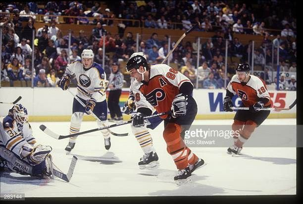 nov-1993-philadelphia-flyers-forward-eric-lindros-beats-buffalo-picture-id283144 (612×414)