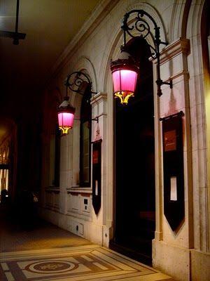 Pictures from Paris: Pink lanterns