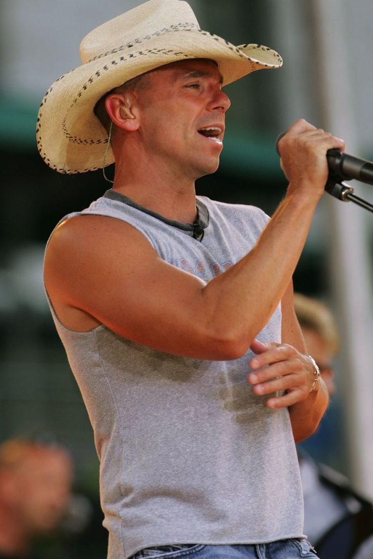 I don't care if you're like, 50. I still love you <3 please someone, bring me Kenny chesney in a giant box