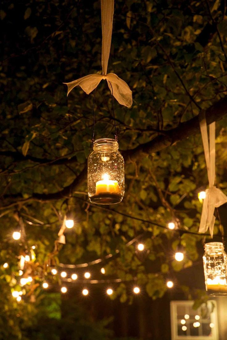 Sara & Matt's wedding at Kurtz Orchards in Niagara on the Lake - Flowers by Cathy Martin Flowers, Photography by Gemini Photography Ontario - love the hanging mason jars !