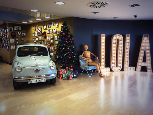 On the eleventh day of Christmas, Hello LOLA gave to me - A SEAT 600 and a beautiful Christmas tree