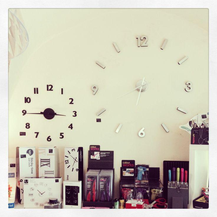 Orologi bi-adesivi da parete
