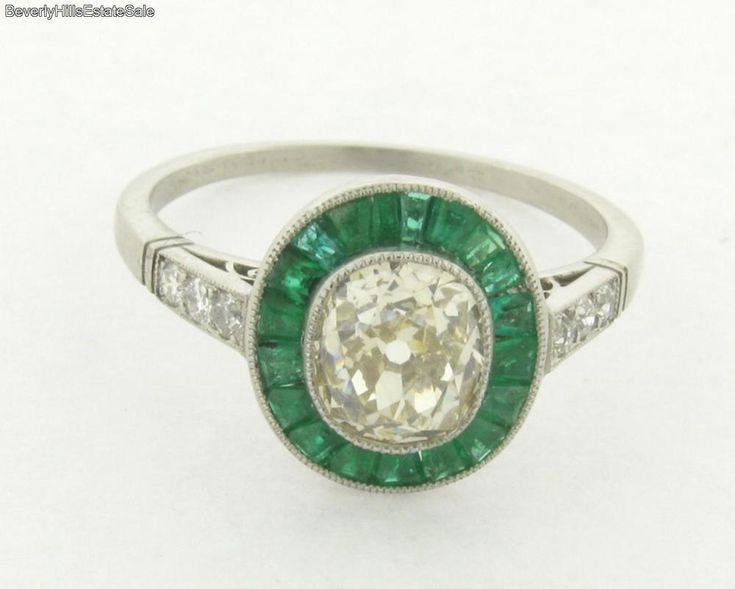 Exquisite Cushon Cut 1.26 Art Deco VS-2 Diamond Emerald Platinum Ring