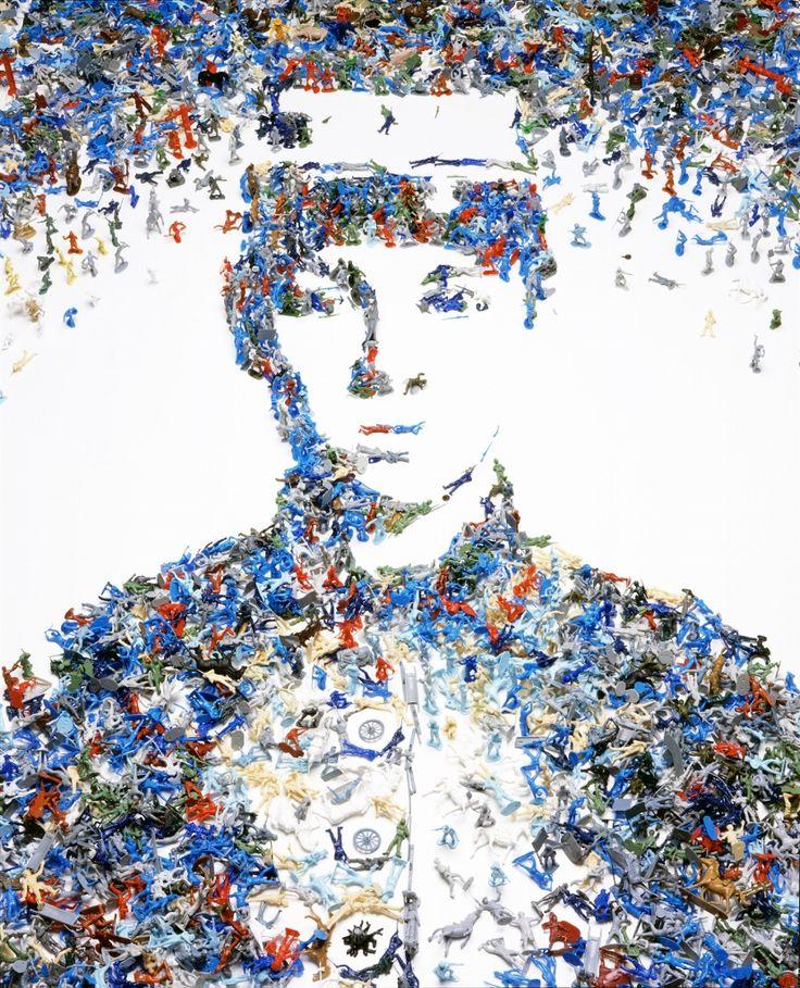 Vik muniz soldado de juguete de la serie monadas 2003 for Pinterest obras de arte