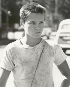 stand by me character essay chris In the film stand by me, directed by rob reiner, a character that showed a lot of interesting traits was chris - stand by me character essay: chris introduction he is a confident and spirited young man who has a lot of wit about him.