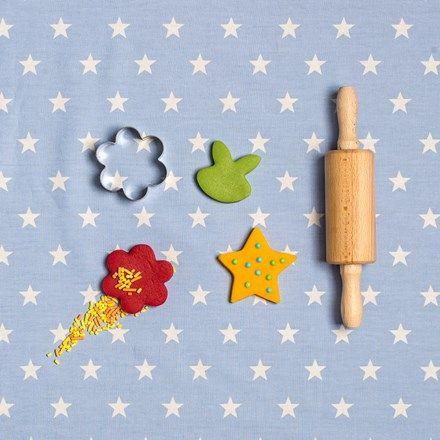 Een snel, gemakkelijk en volledig eetbaar knutseldeeg voor kinderen, op basis van pindakaas.