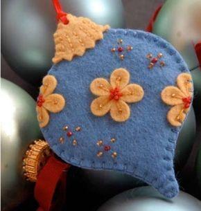 Pretty Felt Ornaments by sammsfamily #feltornaments