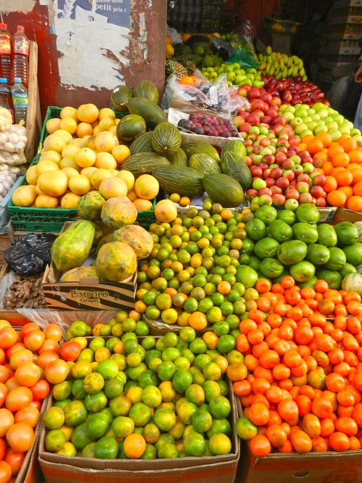 Senegal, Dakar, fruit - I miss guavas and cabba and pomme de cashews, but not monkey bread!!