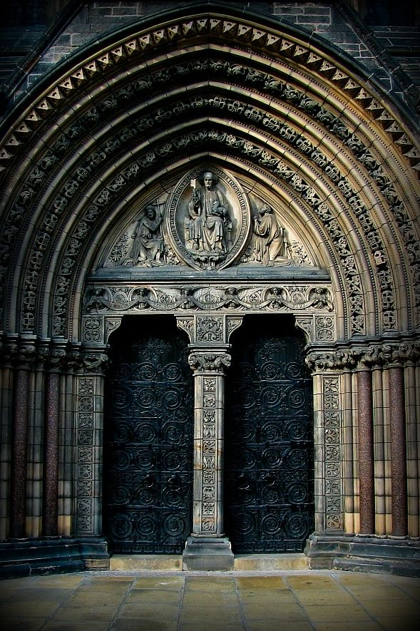 MIND ON DESIGN: Gothic Architecture and Decor - The Interior Collective