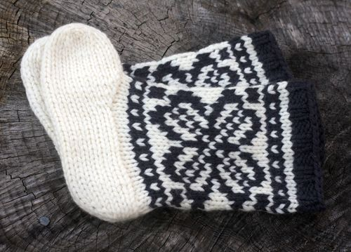 Mukluk Knitting Pattern : Mukluks Pattern Links (Tin Can Knits) Knitting Machines! Pinterest Cute...