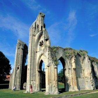 According to legends, the Holy Grail is supposed to be hidden at the foot of Glastonbury Tor hill. Visit the graves of King Arthur and Guinevere at Glastonbury Abbey.