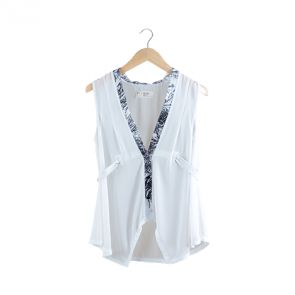 White and Black Sleeveless Blouse