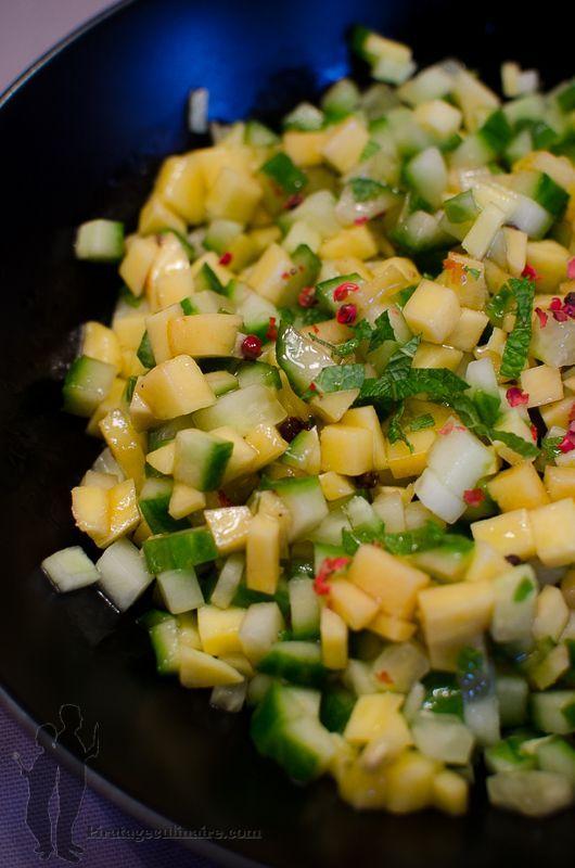 Après le gras de la chandeleur, voici la fraîcheur avec : une salade de concombre et de mangue à la menthe, vitaminée à souhait...idéal po...