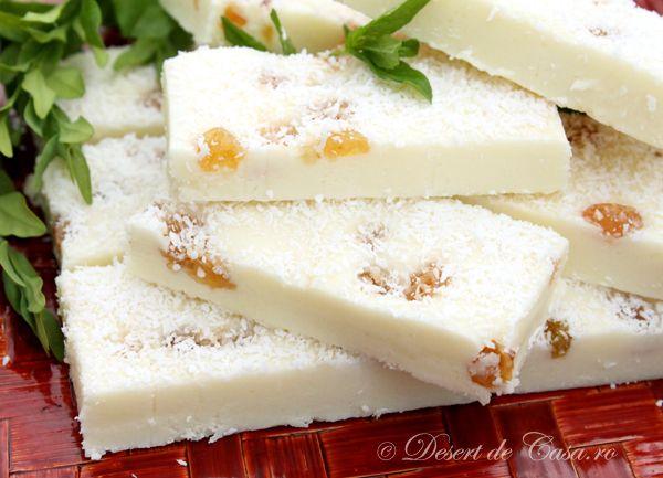 Ciocolata de casa este un desert foarte simplu de preparat . Poate sa reziste cineva in faţa unei tablete de ciocolata de casa ?