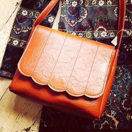 very cute vintage red shoulder bag £12 #bag #red #vintage #cute #girl #handbag #70s ##vintagefashion #boro #utb