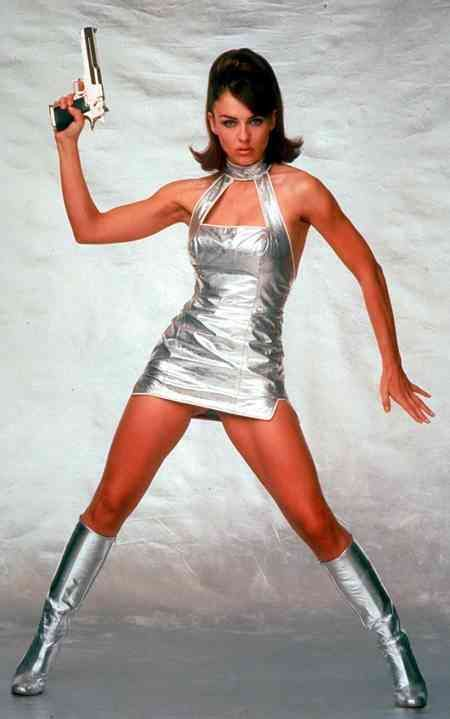 Elizabeth Hurley - Austin Powers