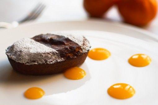 Il dolce più tipico del Salento arriva a casa tua pronto da gustare. Aggiungi a lato gocce di crema di mandarino e spolvera con lo zucchero a velo a piacimento. Goduria assicurata.