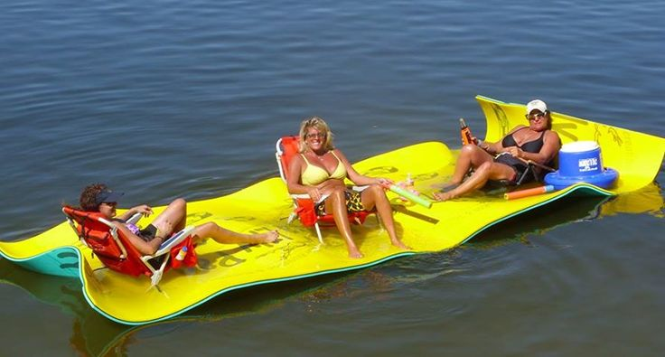 """Aqua Lily Pad is a great """"float"""" for the lake #LakeMartinFloats"""