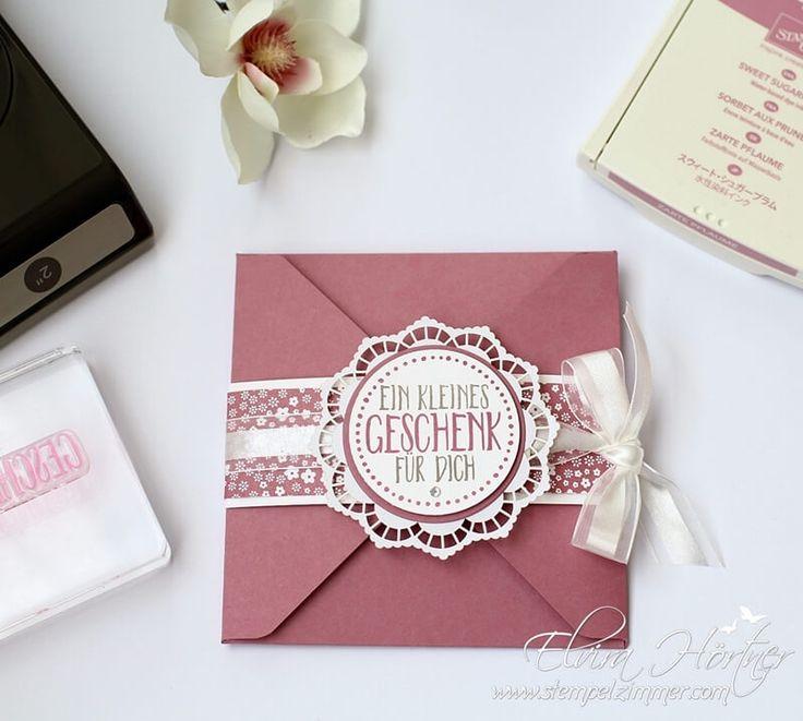 Ein kleines Geschenk - perfekt verpackt. Mit dem Envelope Punchboard habe ich eine Umschlagkarte für einen Massagegutschein gestaltet.
