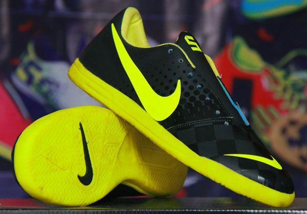 Sepatu Futsal Nike Elastico Hitam Strip Hijau Stabilo Rp 170.000  Pin BB : 277D5CC1 SMS : 0856 5879 0893 | call : 0821 7800 6207 http://sepatufutsalpremium.com/