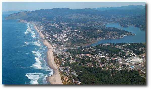 Lincoln City, Oregon.  A cute little town on the Oregon coast.  It's a great place to play on the beach, but too cold for swimming.  From there, you can drive to many other interesting sites.Favorite Places, Cities Oregon, Beautiful Places, At The Beach, Cities Beach, Beach Dogs, Oregon Coast, Beautiful Oregon, Lincoln Cities