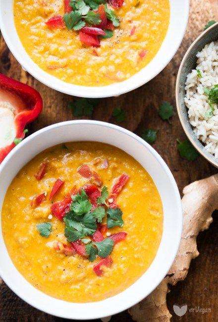 Prosty obiad w 30 minut, który jednocześnie nasyci i rozgrzeje organizm? Pełne zbilansowanego i pełnowartościowego białka curry z dynią i czerwoną soczewicą, na mleku kokosowym, pyszka. Gdy za bardzo nie wiesz co zrobić ze swoją nowo kupioną dynią, zrób albo purée, albo obierz i pokrój w kostkę.… Read More