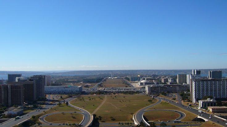 Výhled na okolí centra z televizní věže