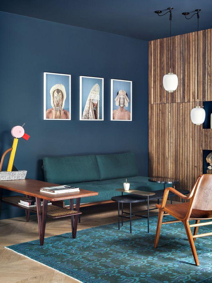 Mit Leichtigkeit mischen Agence Favorite verschiedene Stile. Links im Bild versteckt sich Ettore Sottsass' Tahiti-Leuchte. (Foto: Hervé Goluza)