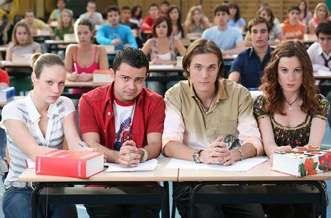 Notte prima degli esami - Un'ansia che prende tutti, studenti, genitori, mamme in particolare, ma anche insegnanti...