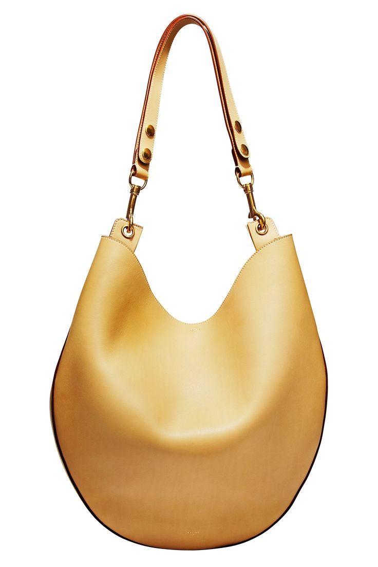 A Bag Every Woman Should Have: Weekend Casual Doesn't have to Celine but do i want to be!!