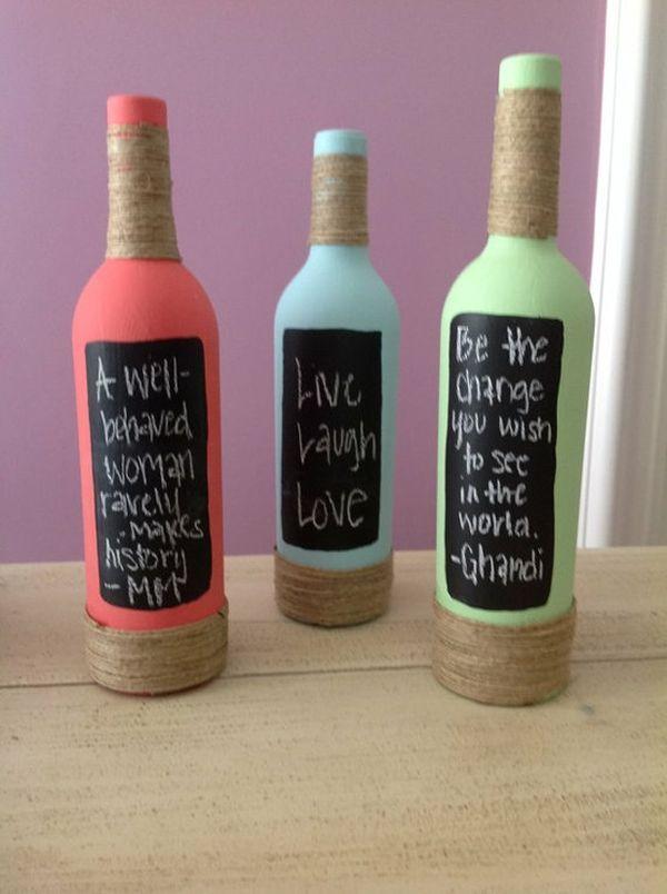 Benutzen Sie die schwarze Seite der Flaschen als Tafel