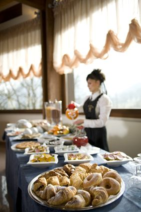 "Hotel ""Le Grotte"", #genga #italy What about our #breakfast? It's always included!"
