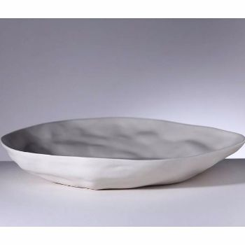Amaï Saigon Cream Medium Plate: Amaï plates are thin and light weight giving the impression of being delicate. The medium plate is perfectly sized for use as an Italian or Asian dinner plate or serving dish.